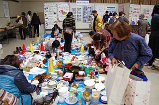 東日本大震災復興支援バザーの写真01